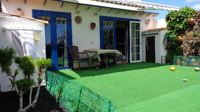 Apartment in complex with pool in the center of Costa Teguise