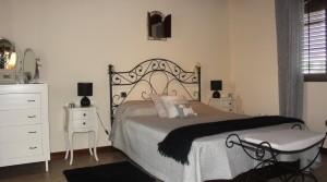 a y Guest Bedroom