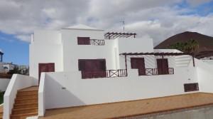 terraza fachada de piscina 1