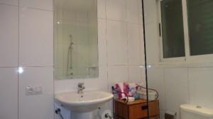 e baño abajo grande 1