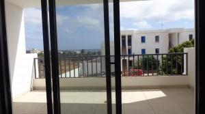 terraza con pueta con vistas