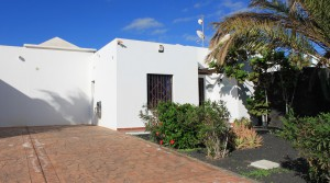 villa fachada entrada-001